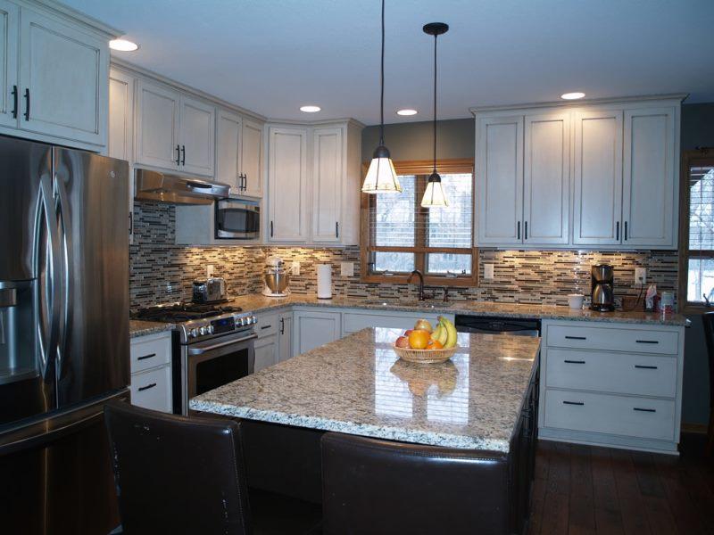 Machen Sie eine Küche selbst reparieren. Küchenreparatur mit eigenen ...