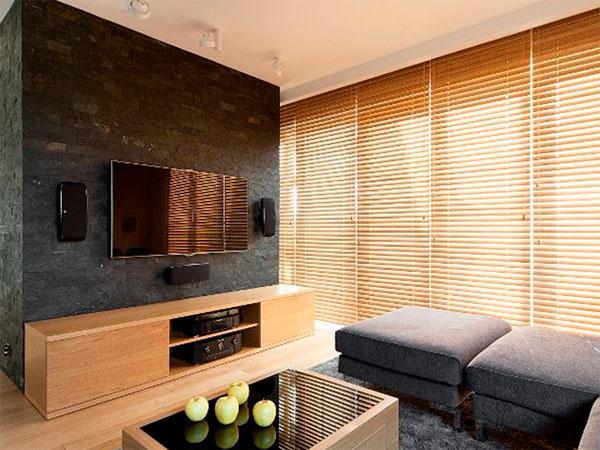 Piastrelle decorative in casa. decorazione di interni in pietra