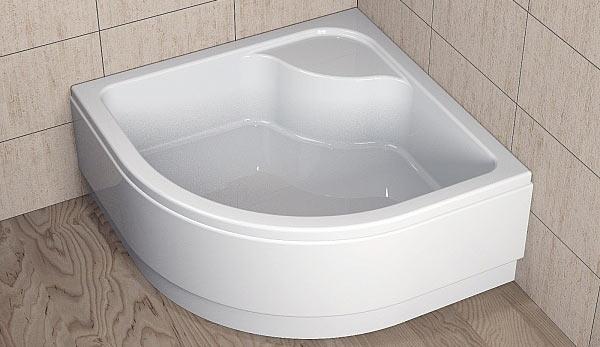 Installazione del piatto doccia in acrilico sulle gambe del video
